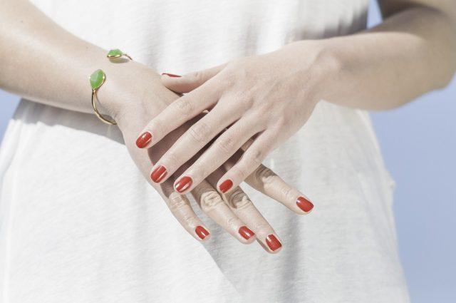 Piękny manicure – jak go wykonać?
