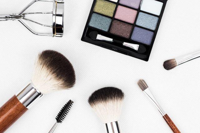 Kosmetyki do makijażu oczu – jakie wybierać?